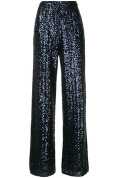Looking for New Year's Eve outfit ideas? We've rounded up 10 of the best New Year's Eve dresses, jumpsuits, suits and separates to wear as you ring in Stage Outfits, Dress Outfits, Cute Outfits, Fashion Outfits, Womens Fashion, Fashion Trends, Hijab Evening Dress, Figure Flattering Dresses, New Years Eve Dresses