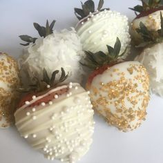Welcome to Darling Chic Eats! Please note: Im currently serving the DC Metropolitan Area ONLY. Local pickup or curbside delivery available. These chocolate covered strawberries are the perfect favor or dessert table delight! They are great for bridal showers, baby showers, birthday parties, holiday parties or any special occasion you can think of!! WHAT YOU GET: 1. Set of 12 chocolate covered strawberries. 2. Three different designs included. Sprinkles and pearls come standard. When placing…