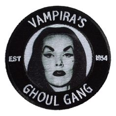 Official licensed Vampira patch, be part of Vampira's Ghoul Gang, patch can sewn or ironed. - Approx 3inch Diameter