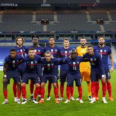 Sport Football, Football Players, Relation D Aide, Antoine Griezmann, Psg, Neymar, Basketball Court, In This Moment, Bts Wallpaper