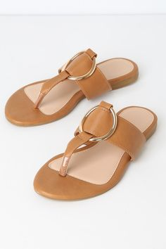 The Solene Tan Flat Thong Sandals are the perfect finishing touch to all of your warm-weather 'fits. Vegan leather thong sandals with gold O-ring detail. Cute Shoes Flats, Shoes Flats Sandals, Tan Flats, Sandals Outfit, Fashion Sandals, Sandal Heels, Sport Sandals, Women Sandals, Sandalias Teva