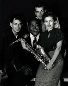 Charlie Parker with fans-Images for Jazz lovers @Paris | Photodigest
