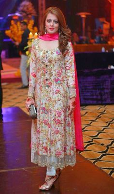 Latest Pakistani Fashion Wedding Guest Dresses 2018 | BestStylo.com