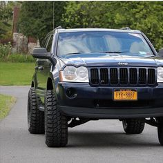 Jeep Wk, 4x4, 2005 Jeep Grand Cherokee, Black Jeep, Jeep Stuff, Tag Photo, Rough Diamond, Jeep Life, Drag Racing