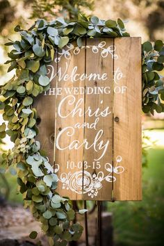 Wooden boards are great for scrawling out messages + provide just the right amount of natural, boho vibes.