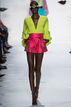 Smartologie: Diane von Furstenberg Spring 2013 Collection - New York Fashion Week Couture Mode, Style Couture, Couture Fashion, Runway Fashion, Fashion Models, Womens Fashion, New York Fashion, Fashion Week, Spring Fashion