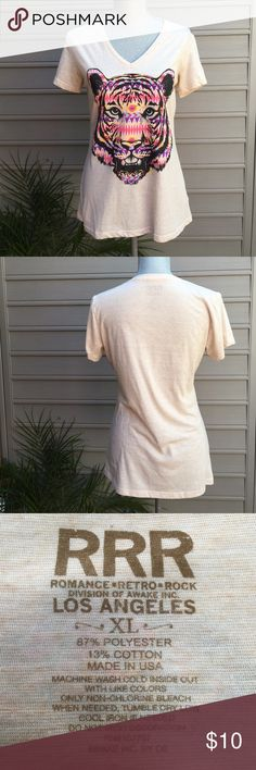 Super Comfy Tiger T 🐯. Like New. Worn Once. Super Comfy Tiger T 🐯. Like New. Worn Once. As is. In perfect condition. So freaking soft. Macy's Tops Tees - Short Sleeve