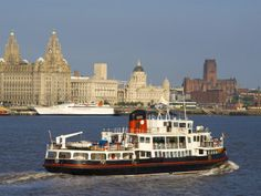River Mersey Ferry and the Three Graces, Liverpool, Merseyside, England, ...