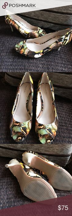 Tahari Janna butterfly peep toe limited edition Gorgeous Limited addition heels by Tahari. Feature 2.5 inch heels and all over butterfly print. These will be your go to heels the spring! Beautiful color combination size 8 1/2 medium features padded foot bed. Heels only worn once and in like new condition! Tahari Shoes Heels