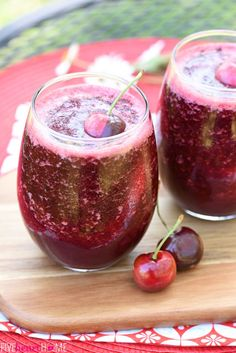 Cherry Vanilla Wine Slushies ~ fruity Moscato slushies are a refreshing way to cool off when the weather heats up, and this scrumptious version boasts juicy dark cherries and a hint of pure vanilla! | FiveHeartHome.com
