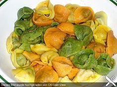 Tortellini ripieni di mozzarella e spinaci,