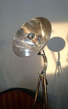 Tripod Arzt Foto Stativ Steh Tisch Lese  Lampe Vintage Bauhaus DDR Art deco Loft