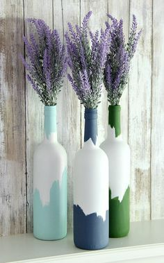 Painted Wine Bottles: an easy upcycled wine bottle craft