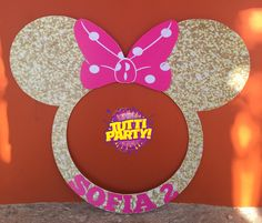 Minnie golden Photo frame, Minnie golden Photo prop, Minnie golden Photo Booth, Minnie Party decorations, Minnie Party ideas, Minnie pink Minnie Mouse Birthday Decorations, Mickey Mouse Clubhouse Birthday, Minnie Birthday, Halloween Birthday, 1st Birthday Girls, 2nd Birthday Parties, Party Photo Frame, Party Frame, Photo Booth