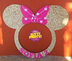 Minnie golden Photo frame, Minnie golden Photo prop, Minnie golden Photo Booth, Minnie Party decorations, Minnie Party ideas, Minnie pink