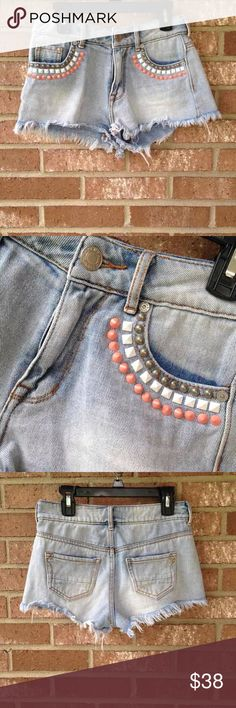 Kendall & Kylie high rise Denim shorts size 0 Kendall and Kylie high rise jean shorts!                 Size 0 Cute white and peach/coral coloured decor/studding on pocket trim! Overall good used condition! Kendall & Kylie Shorts Jean Shorts