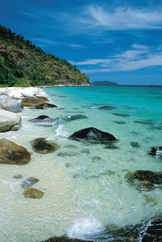 This a beach in Thailand,Koh Lipe.I like this picture cause the beach is beautiful.I never see a beach with a blue water like this.And I really want it!