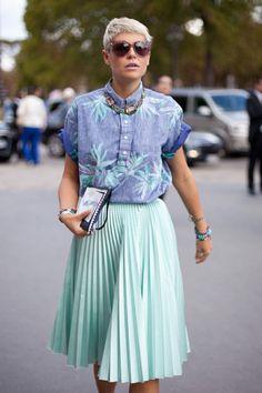 pleated-midi-skirt-street-style