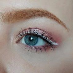 #huntergraymua White eyeliner on the Naked 3