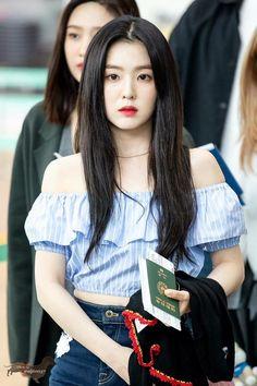K-Pop Babe Pics – Photos of every single female singer in Korean Pop Music (K-Pop) Seulgi, Red Velvet アイリーン, Red Velvet Irene, Asian Woman, Asian Girl, Red Velvet Photoshoot, Red Velet, Rapper, Kpop Outfits