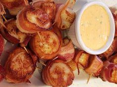 Bacon Wrapped Scallops with Spicy Cilantro Mayo Shrimp Recipes, Fish Recipes, Paleo Recipes, Appetizer Recipes, Cooking Recipes, Catering Recipes, Shrimp Appetizers, Tapas Recipes, Recipes