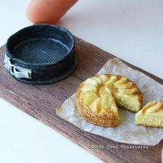 """140 Likes, 2 Comments - Cecilia (@coffee.seed.miniatures) on Instagram: """"Miniature apple cake and cake pan. Based on tutorial by @sugarcharmshop #miniature #miniaturefood…"""" #miniaturefood"""