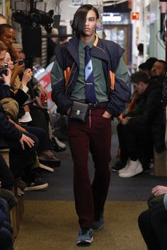 See the complete Martine Rose Fall 2017 Menswear collection.