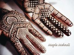 Maple Mehndi designs are inspired from the beautiful structure of Maple leaf. These mehndi designs will be surely loved by all. Henna Tattoo Hand, Henna Tatoos, Henna Body Art, Henna Mehndi, Mehendi, Tattoos, Mehndi Designs, Heena Design, Gold Henna