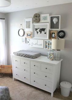Dormitorio de bebé con cambiador alto
