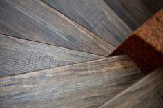 Realizace Hardwood Floors, Flooring, Crafts, Wood Floor Tiles, Manualidades, Hardwood Floor, Wood Flooring, Handmade Crafts, Craft