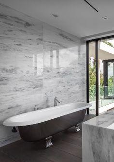 rGlobe | Fendi Residence...beautiful bath tub