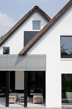 Juul&Lucas Southern-Woods Villa by Bob Manders Architects Amsterdam