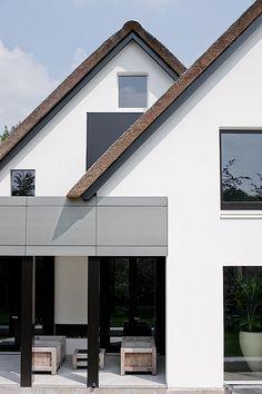 Villa by Bob Manders.....voor meer inspiratie www.stylingentrends.nl of www.facebook.com/stylingentrends #interieurstyling #vastgoedstyling #woningfotografie