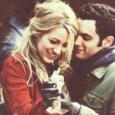 I am now crazy addicted to Gossip Girl. And Serena and Dan are my favorite.