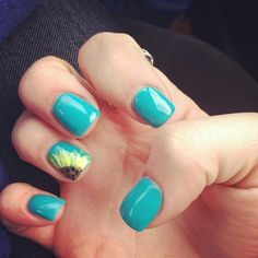 SunFlower Nails - Heather would love!///I WANT THESE.  EEEEEE