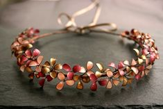 Diademe - Blütenkranz in rosé-gold, Diadem, Brautkrone, handgemachtes Einzelstück  bridal flower crown, handmade and one of a kind, rose gold    79.90€