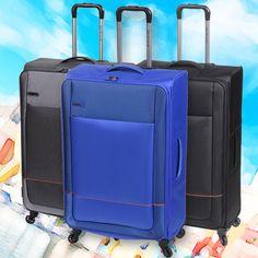 COLECCIÓN NÁPOLES Recién lanzada línea de valijas de poliester en tonos combinados.