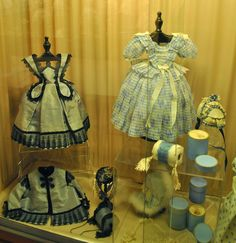 Musée de la Poupée, Paris. Chiffonette Huret display.