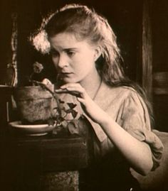 """Mae Marsh - """"Intolerance: Love's Struggle Throughout the Ages"""" / """"Nietolerancja"""" (1916,  D.W. Griffith)"""