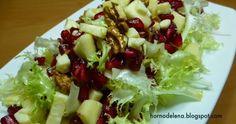Receta de ensalada de escarola con granada. Una ensalada de temporada muy rica y saludable.