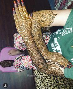 Best Bridal Mehndi Artist in Bangalore Khafif Mehndi Design, Latest Bridal Mehndi Designs, Full Hand Mehndi Designs, Mehndi Design Photos, Wedding Mehndi Designs, Beautiful Mehndi Design, Dulhan Mehndi Designs, Mehndi Art Designs, Leg Mehndi