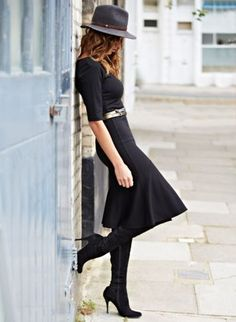 A floppy hat is a great twist to something as fabulous as your #littleblackdress