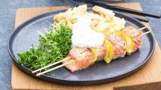 Zalmbrochette met aspergestamppot en yoghurtdressing