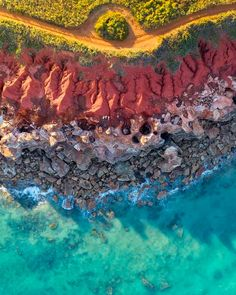 EarthPorn is your community of landscape photographers and those who appreciate the natural beauty of our home planet. Broome Western Australia, Queensland Australia, Motif Photo, Fuerza Natural, Westerns, Australia Landscape, Road Trip, Nature Color Palette, National Photography