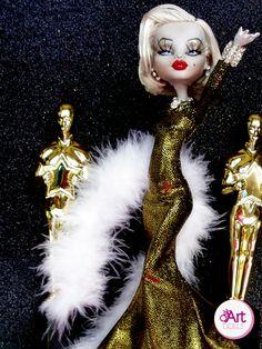 Marilyn Monroe Gold   OskArt DOLLS