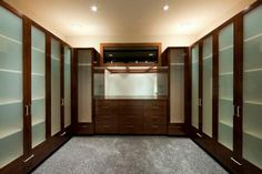 contemporary closet by Begrand Fast Design Inc.