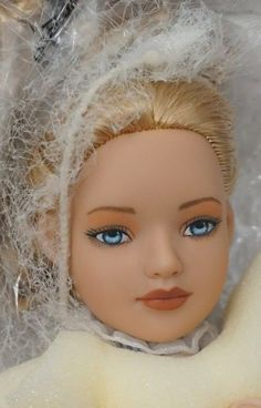 TEA PARTY ALICE ~ Alice In Wonderland ~ TONNER DOLLS ~ NEW IN BOX #Tonner