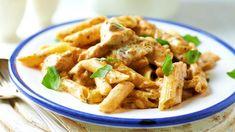 Penne cu pui Alfredo -alegere ideală pentru o cină rapidă, sățioasă și delicioasă, pentru întreaga familie. Gata cu totul în 30 de minute, făcut simplu așa!