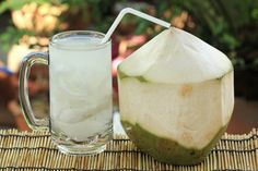 Coconut Water Kefir boosts immune feature as well as prevents cancer cells. It has all the benefits consisted of in coconut water, beta Ca. Detox Drinks, Healthy Drinks, Healthy Tips, Healthy Recipes, Healthy Food, Weight Loss Water, Weight Loss Drinks, Coconut Water Benefits, Pisco Sour