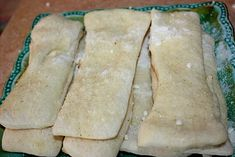 copycat little Caesars crazy bread i am so going to try these they are my favorite bread sticks... :)